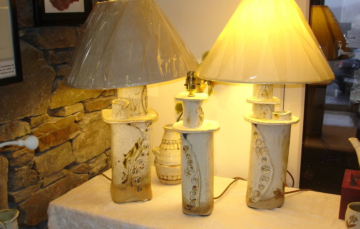 Alan-Gaillard-Irish-Pottery-Connemara-Stoneware-Lamps-r