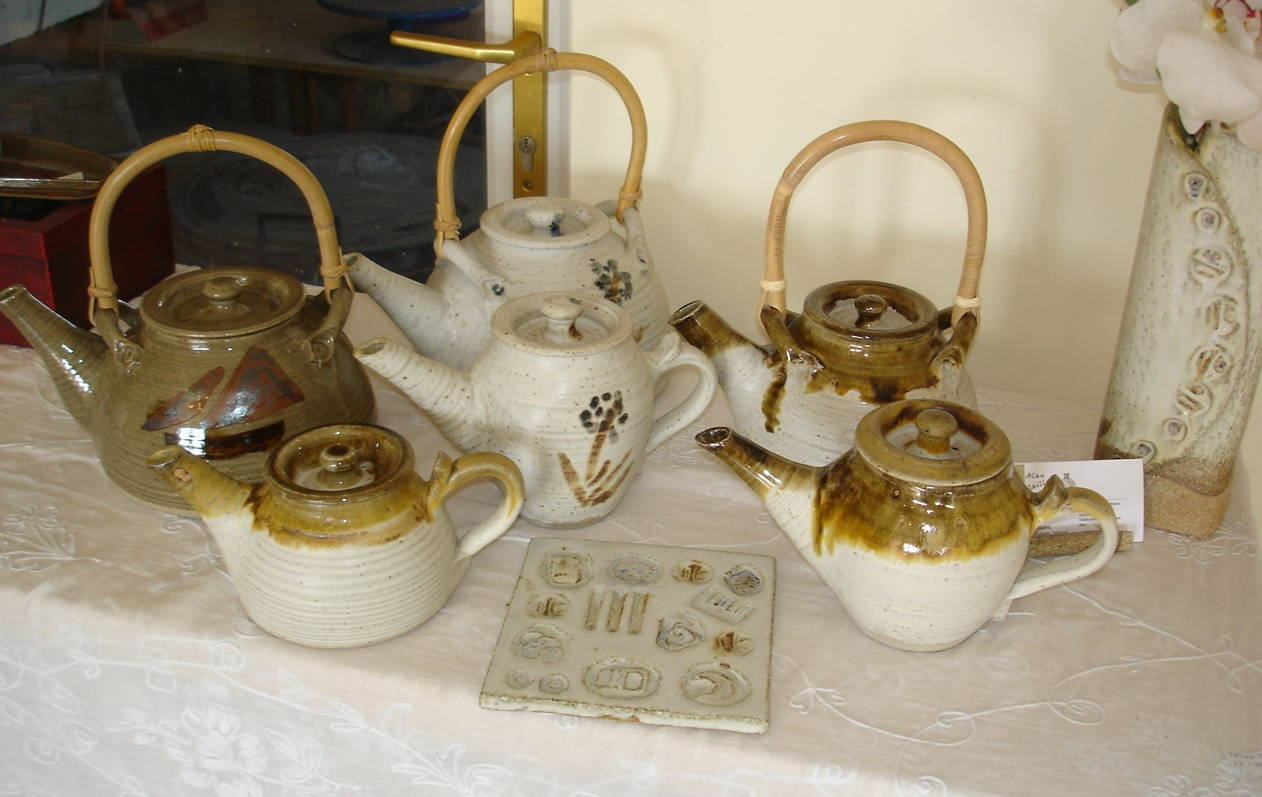 Alan-Gaillard-Irish-Pottery-Connemara-Stoneware-Tea-pots-r