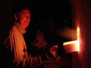 alan-gaillard-irish-pottery-connemara-stoneware-kiln-flame