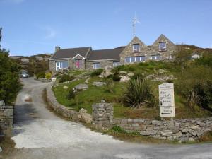alan-gaillard-irish-pottery-connemara-stoneware-studio-from-road-showing-turbine