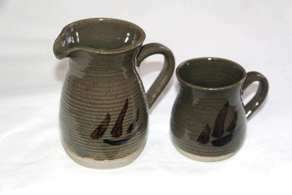 Alan-gaillard-irish-pottery-connemara-stoneware-Jug-mug-hooker-range