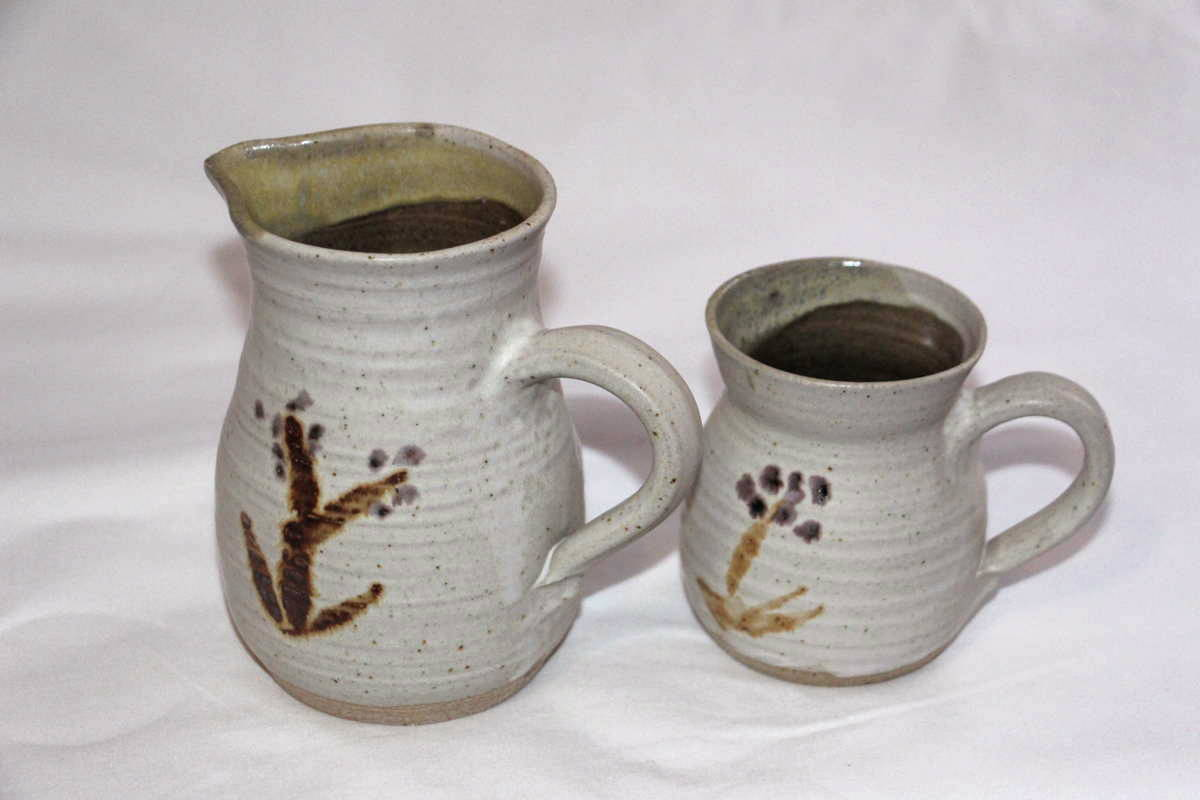 Alan-gaillard-irish-pottery-connemara-stoneware-dolbrush-design