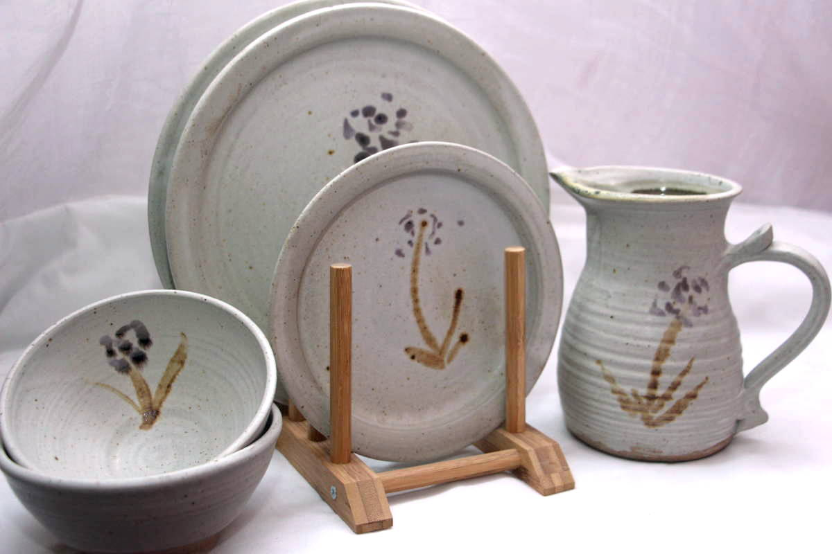 Alan-gaillard-irish-pottery-connemara-stoneware-dolbrush-plates-bowl-jug-dinner-sets