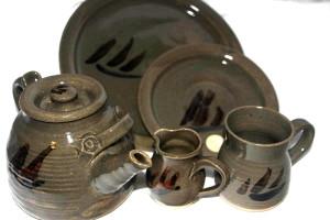 Alan-gaillard-irish-pottery-connemara-stoneware-hooker -teaset