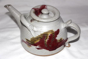 Alan-gaillard-irish-pottery-connemara-stoneware-med-teapot-ceramic- handles-copper-red