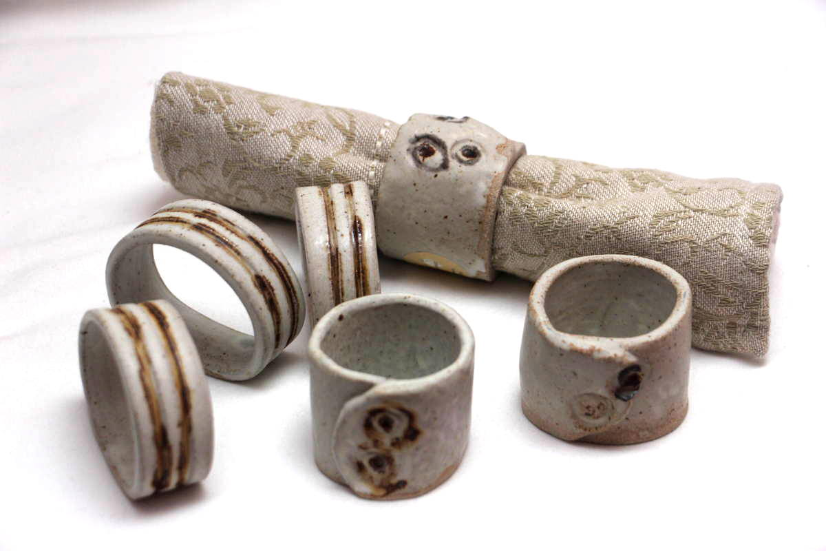 Alan-gaillard-irish-pottery-connemara-stoneware-serviette-rings-misc