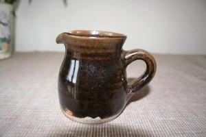 Alan-gaillard-irish-pottery-connemara-stoneware-small-jug-tenmoku