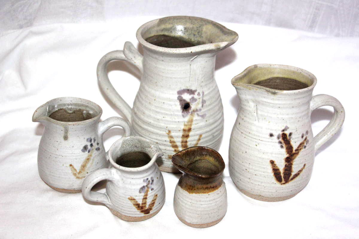 Alan-gaillard-irish-pottery-connemara-stoneware-standard-jug-sizes