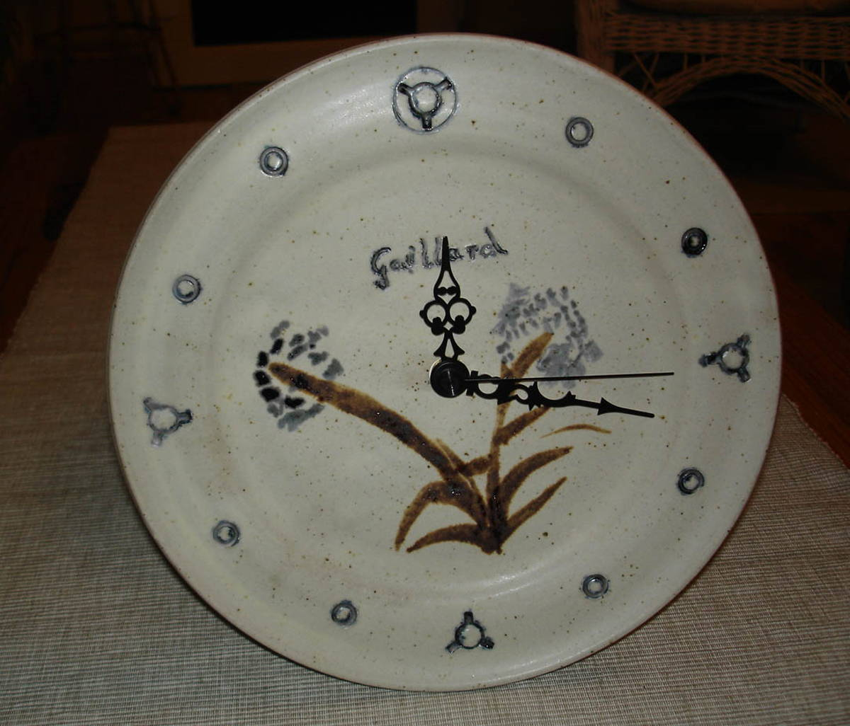 alan-gaillard-irish-pottery-connemara-stoneware-Wall-Clock